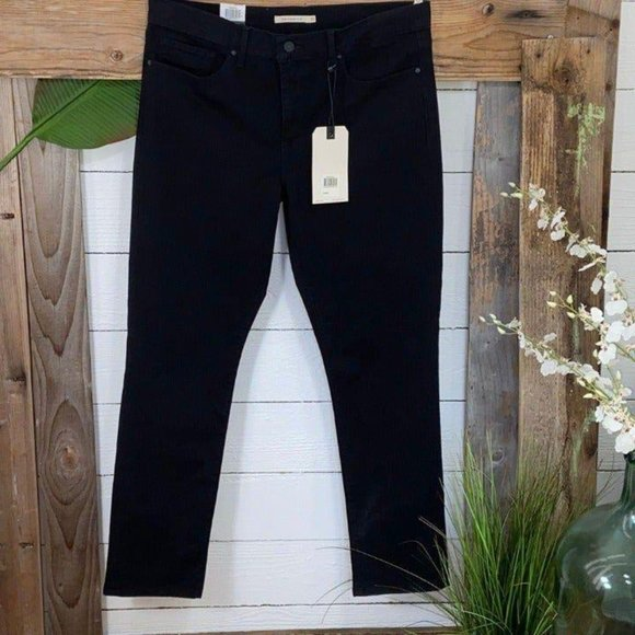 Levi's NWT 312 Shaping Slim Black Jeans